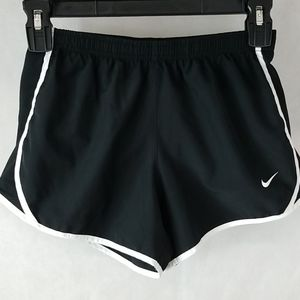 Nike Dri-Fit Lined Athletic Shorts size Medium